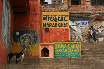 Colourful paintings on the Ghats