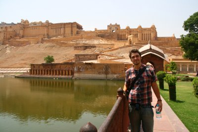 Ste with Amber Fort in the Background