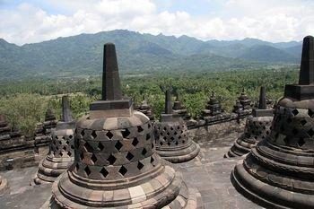 stupas2-cc..therine.jpg
