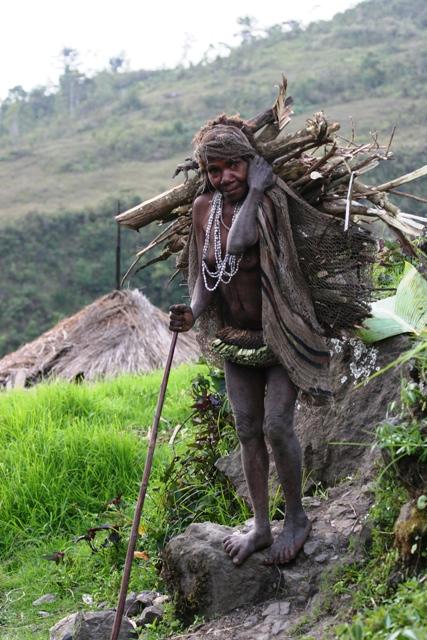 Old Yali woman