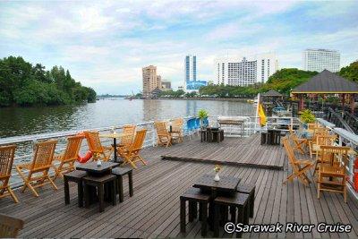 kuching_boats.jpg