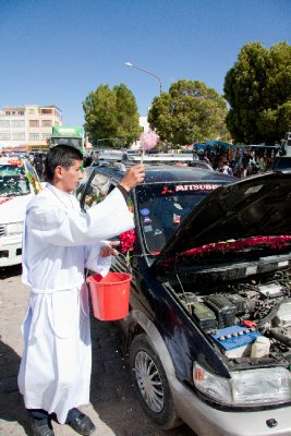 Bolivian car insurance - Blessing of the cars