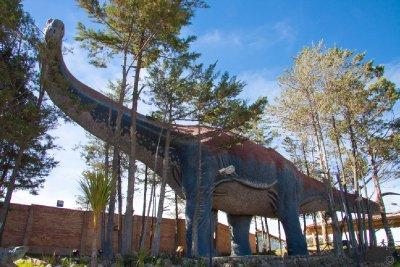 Life-size Brontosaurus