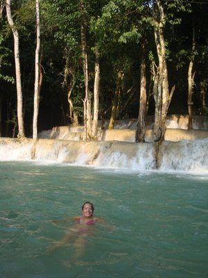 Taking a dip <img class='img' src='http://www.travellerspoint.com/Emoticons/icon_smile.gif' width='15' height='15' alt=':)' title='' />