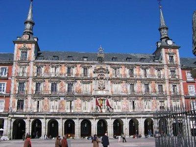 plaza-mayor-on-a-sunday