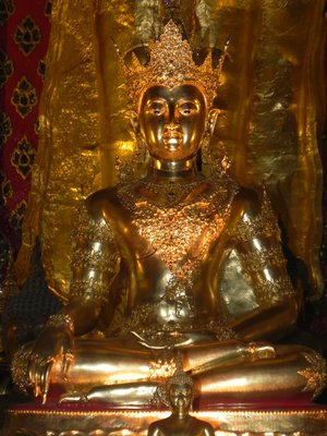 A golden statue inside one of Chiang Mai's many 'wats'