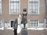 Amsterdam: Anne Frank Statue