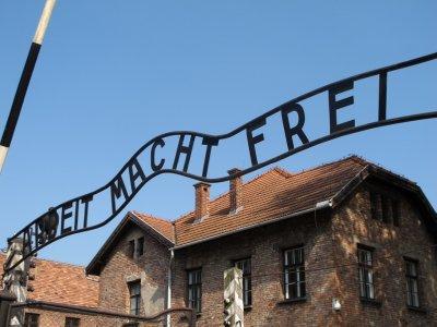 110827_Auschwitz1.jpg