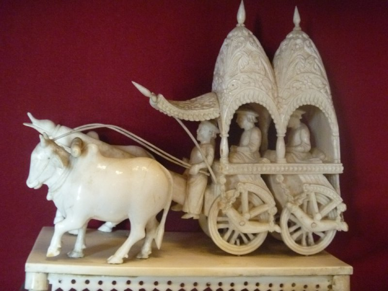 large_28_ivory_chariot.jpg