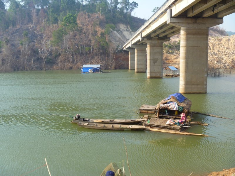 large_29_bridge_.._people.jpg