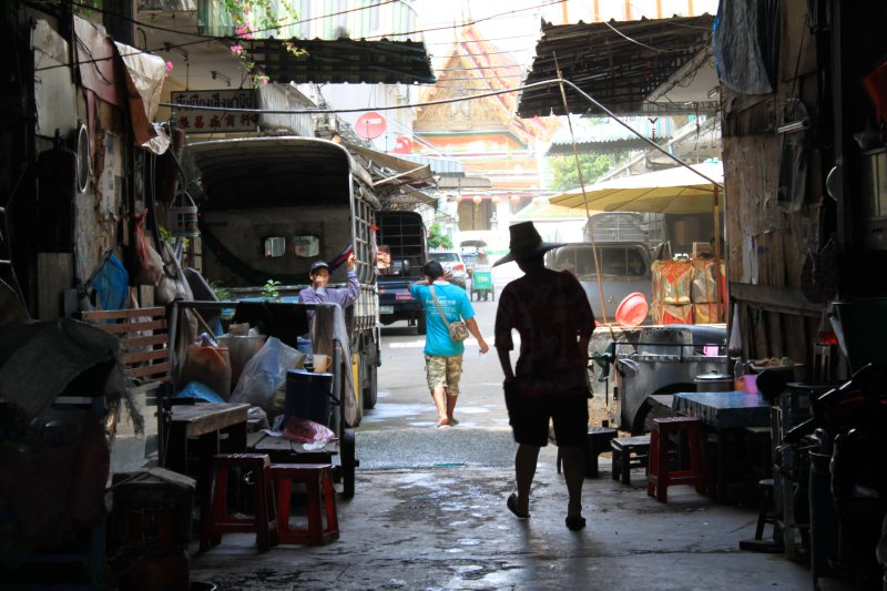 large_bangkok_alley_way.jpg