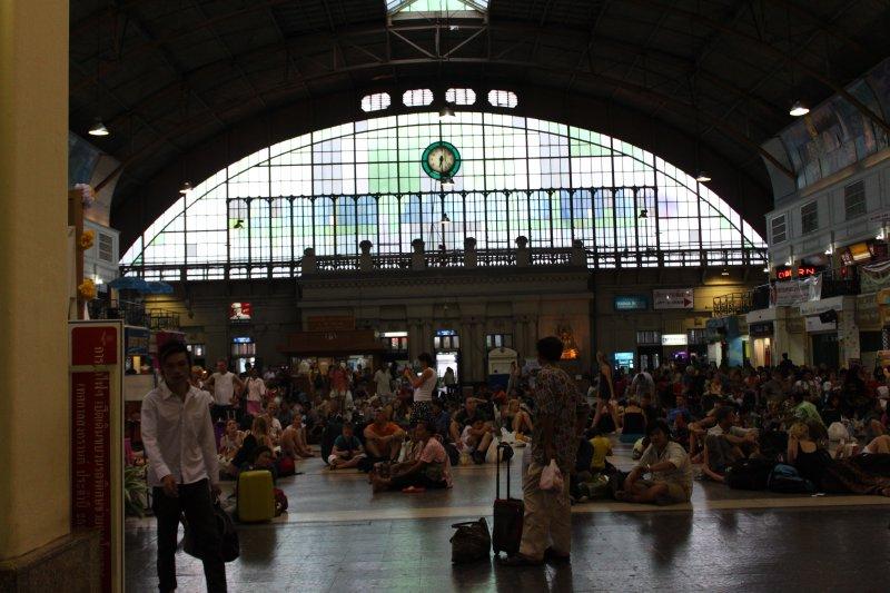 large_bangkok_train_station.jpg