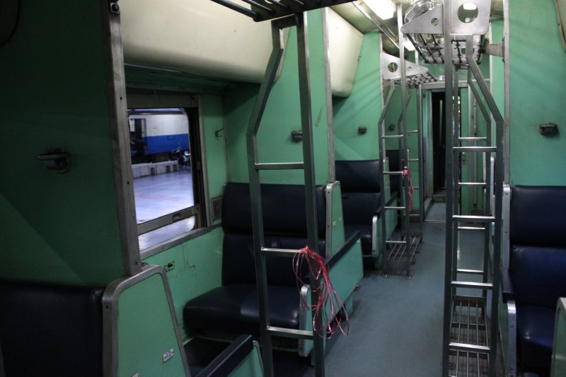 large_bk_train_seat.jpg