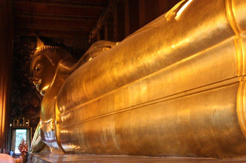 large_golden_buddha.jpg