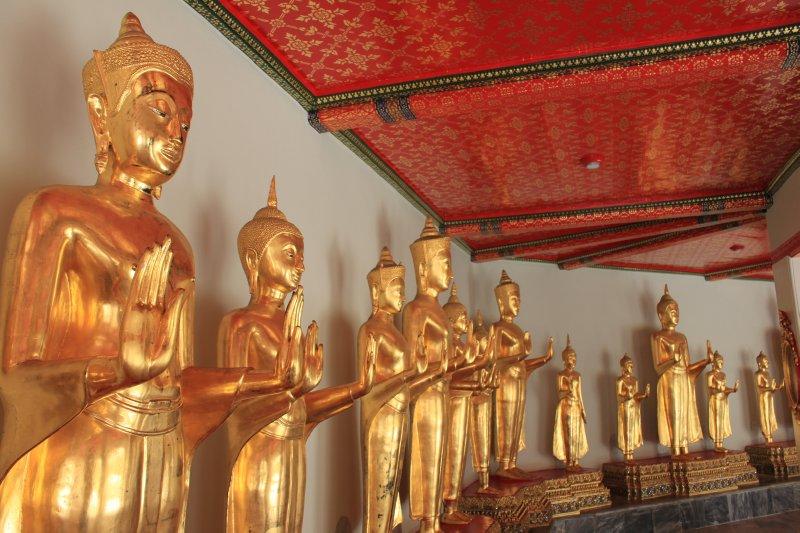 large_golden_buddha_hall.jpg