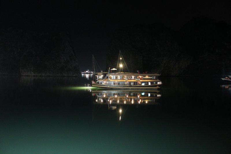 large_night_bay.jpg
