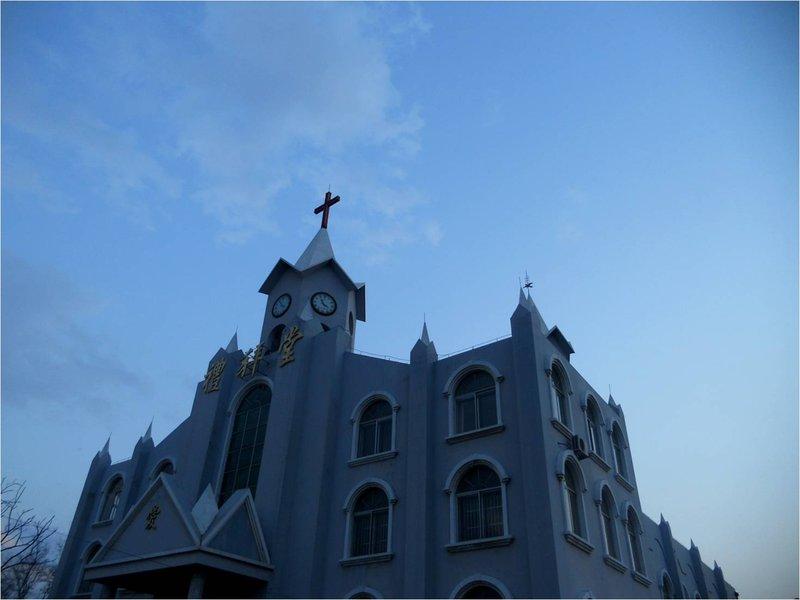 large_church.jpg