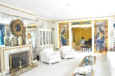 17 - Living Room