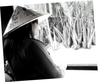 me_back_black_n_white.jpg