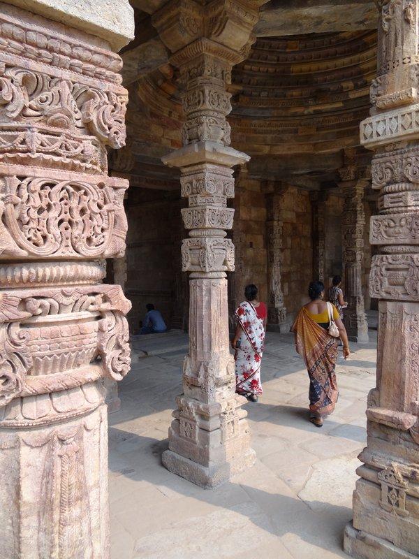 Indiase vrouwen in Qutab Minar