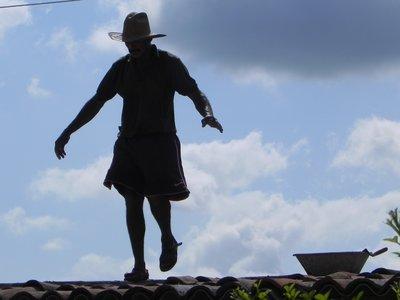 Fixing roofs - Santiago