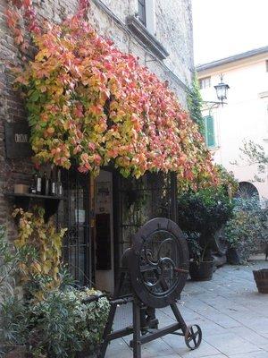 Entry to Cantina Crociani, Montepulciano