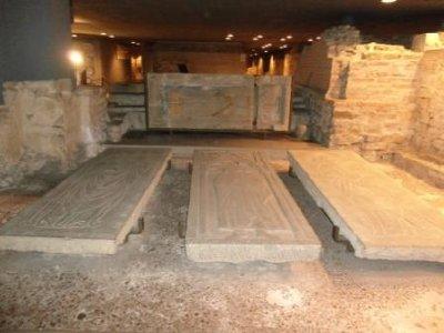 DSC00720_Duomo_crypt.jpg
