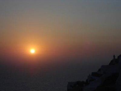 DSC01722_oia_sunset.jpg