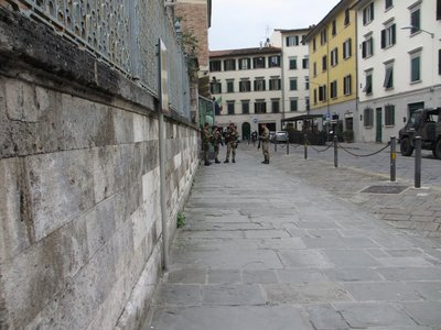 Armed guard outside Sinagogue