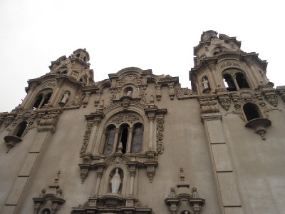 Lima - Virgen Milagrosa Detail