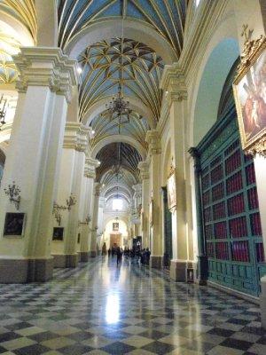 Lima - Interior of La Catedral de Lima (1)