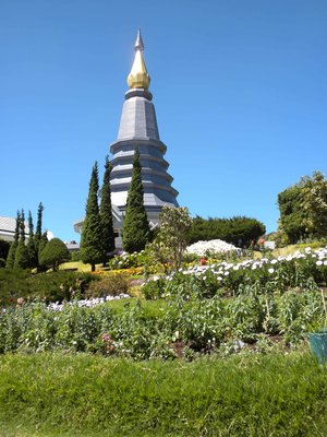 The King's Pagoda--size matters