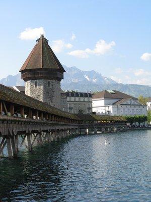Le pont de la chapelle: Ce pont est construit exclusivement avec du bois.