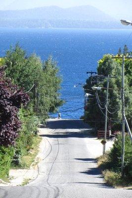 De weg naar het meer.
