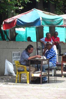 Brievenschrijvers op het plein
