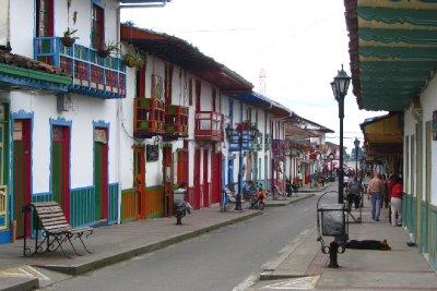 De hoofdstraat van Salento.