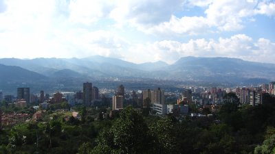 Medellin is immens groot.