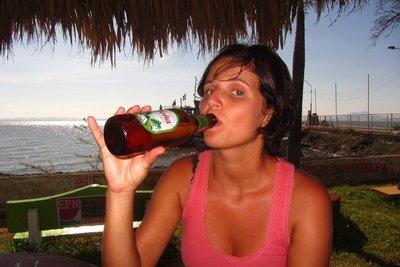 Het plaatselijk biertje: Toña.