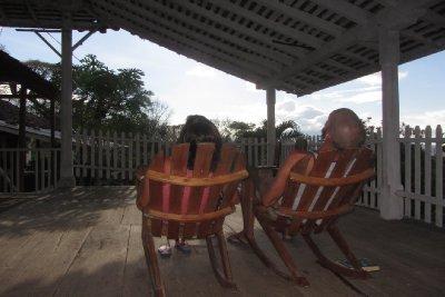 Wat is er heerlijker dan schommelen in je stoel naast je grote liefde :-)