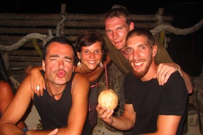 Samen met John en Ivo, onze compagnons op het eiland.