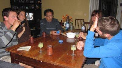 Pisco Sour, Perudo en leuk gezelschap (waaronder onze huisbaas)