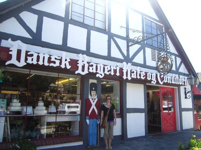 velkommen!! welcome to solvang bakery!