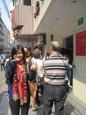 flo waiting in line at jia jia tang for xiaolongbao