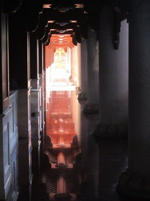 jingan temple is supposedly old, but has been remodeled a lot...with shiny floors and such