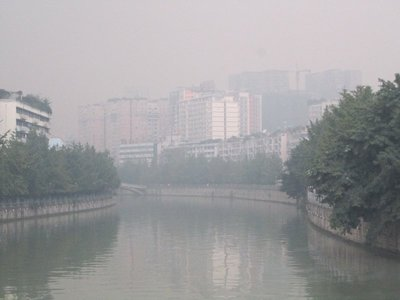 ah, the fresh air of Chengdu...I thought it'd be better than Xi'an, but alas, not so.