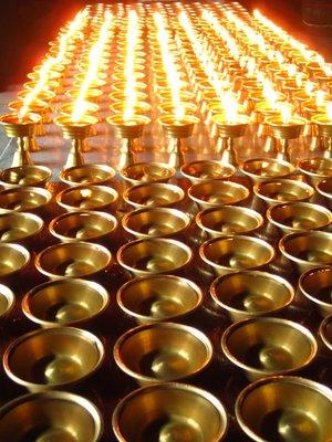the monastery altar on Emei Shan