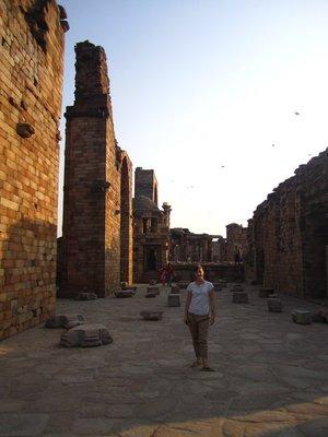 Ruins in Qutab Minar