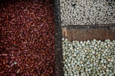 BEANS in the market in Cartagena