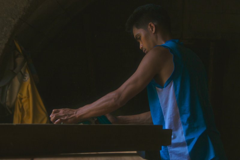 Pinoy Craftsman Hard At Work