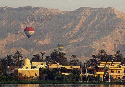 phoca_thumb_l_balloon%20in%20luxor